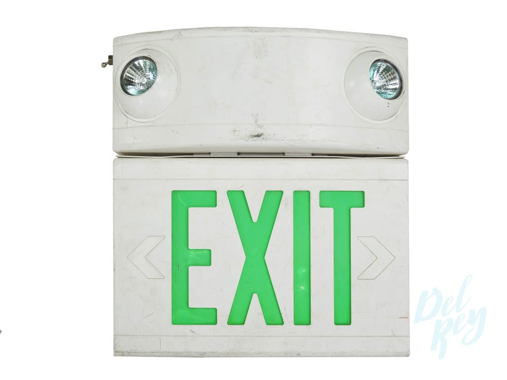 CRWD-STGN-EXIT-SIGN